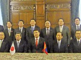 モンゴル:サンハンビレグ首相